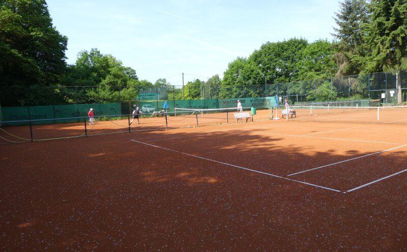 Außen Tennisanlage
