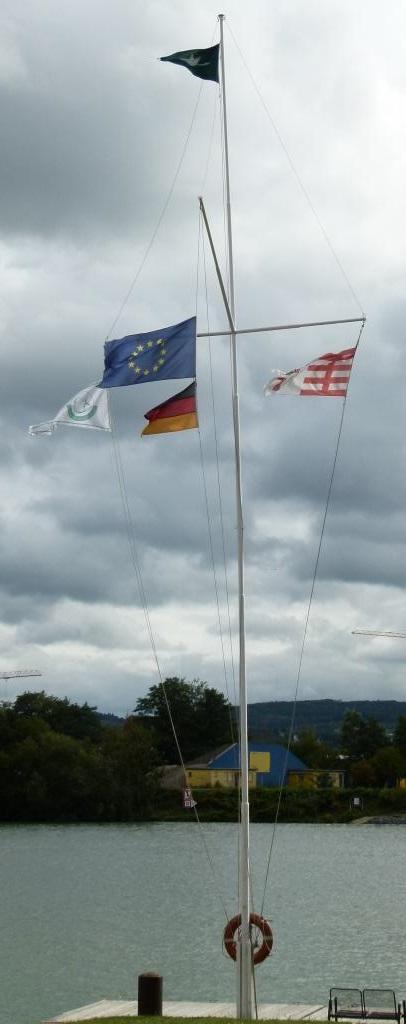Hüthwohl Flaggenmast (8 1)